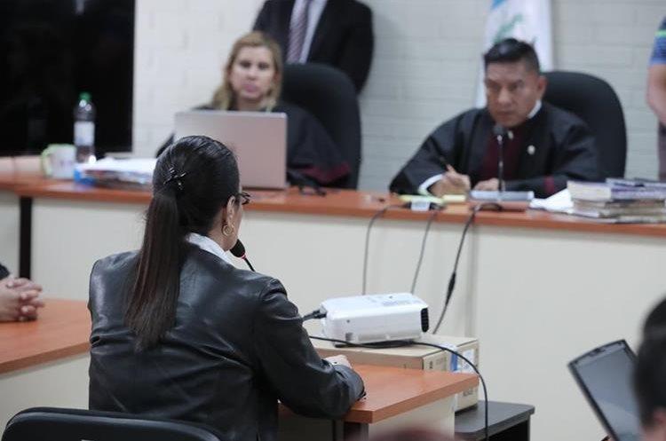 El 3 de octubre del año en curso, el juez Pablo Xetumul concedió una última petición a los sindicados por el caso Agua Mágica, en el cual Roxana Baldetti era señalada por el MP. (Foto HemerotecaPL)