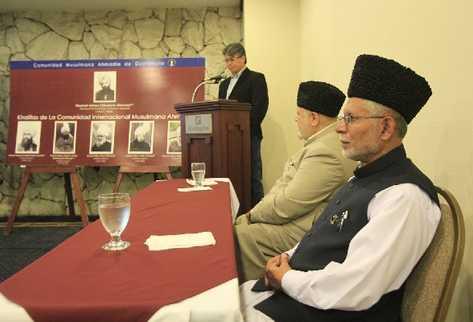David González  Mubarak, A. Nazir y Abdul Sattar Khan.