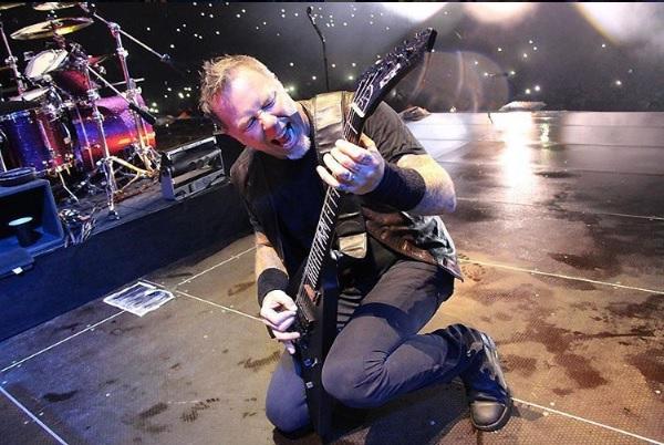 James Hetfield junto a los demás integrantes de Metallica presentaron uno de los conciertos más esperados de este año en el país. (Foto Prensa Libre: Instagram)