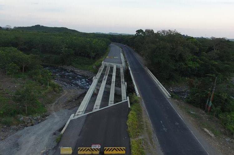 Imagen de un puente sin concluir en la carretera CA2, Suchitepéquez. (Foto Prensa Libre: Hemeroteca PL)