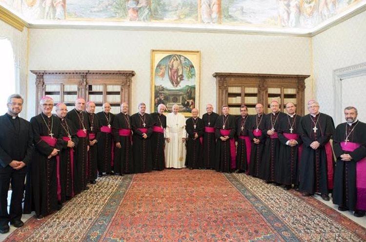 Papa Francisco recibió en audiencia a los obispos de Guatemala. Foto Prensa Libre: AP.