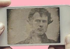 Se cree que el estadounidense Robert Cornelius fue el pionero en sacarse un selfie en 1839. GETTY IMAGES
