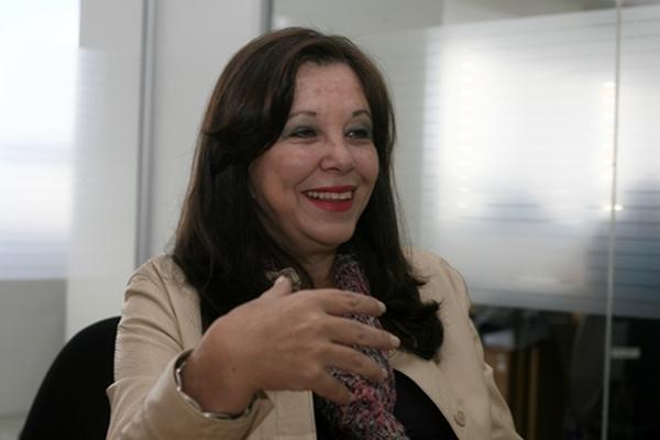 <p>Escritora Carlos Zardetto</p>