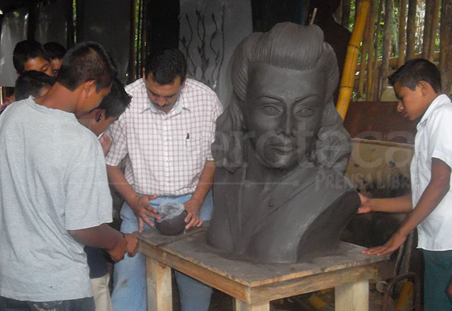 En 2012 se proyectó remodelar el monumento en honor a María Chinchilla colocando un busto. (Foto: Hemeroteca PL)