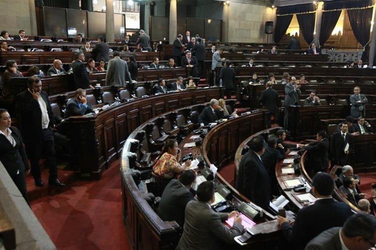 Con 108 votos el Congreso aprobó por urgencia nacional el estado de Calamidad Pública en Santa Catarina Pinula. (Foto Prensa Libre: Estuardo Paredes)