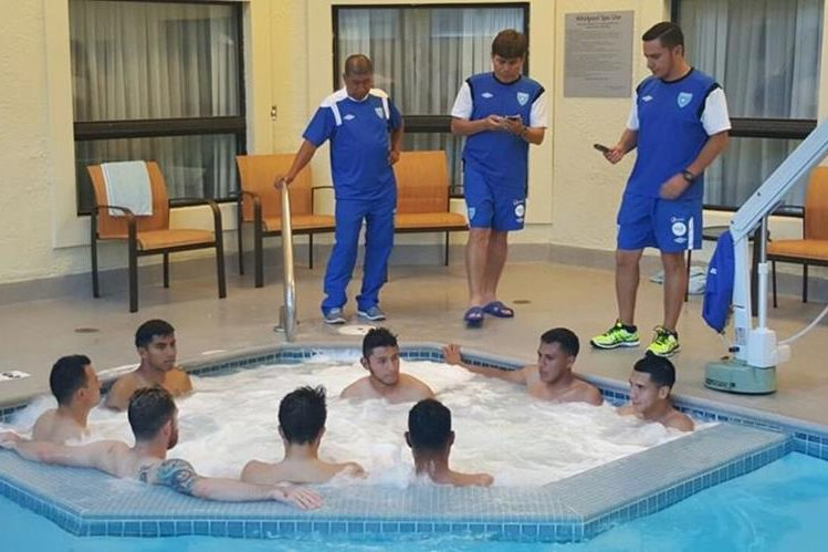 Los jugadores de la Selección Nacional durante el trabajo de recuperación en el Hotel de Ohio.(Foto Cortesía ACD).