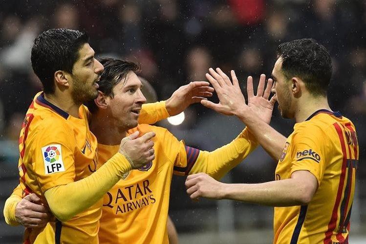 El Barcelona derrotó al Eibar y sigue en el primer lugar de la clasificación de la Liga Española. (Foto Prensa Libre: AP)