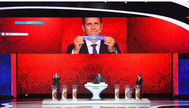 El sorteo preliminar de la Fifa se llevó a cabo en el palacio Konstantin de San Petersburgo en julio recién pasado. (Foto Prensa Libre: Fifa)
