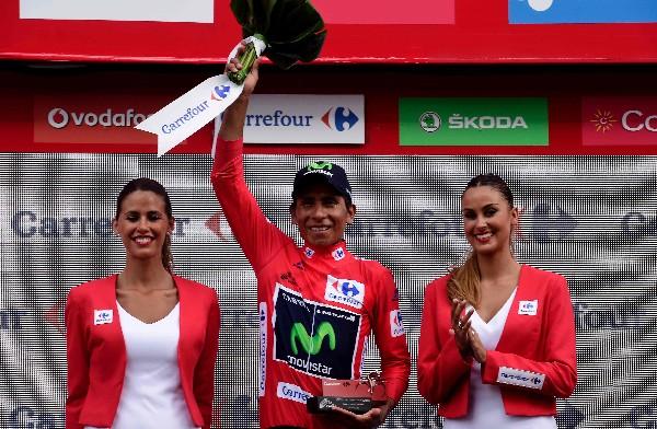 Nairo Quintana mantiene el suéter de líder tras disputada la etapa 16 en España. (Foto Prensa Libre: AFP).