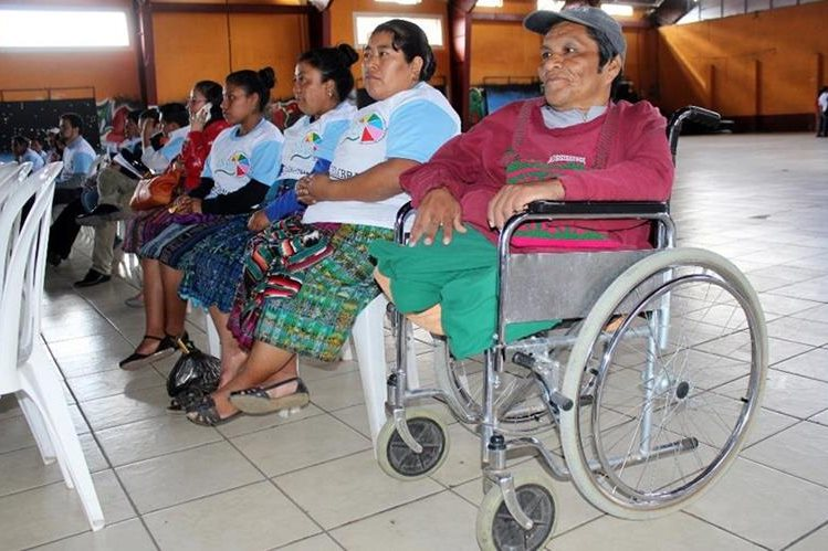 Pobladores participan en actividad efectuada en Santa Cruz del Quiché. (Foto Prensa Libre: Óscar Figueroa).
