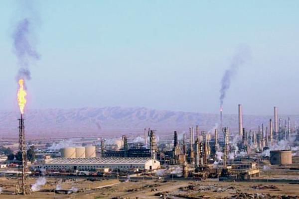 El complejo de Biyi tiene una superficie de más de 20 kilómetros cuadrados y contiene varias refinerías.(Foto Prensa Libre: AFP)