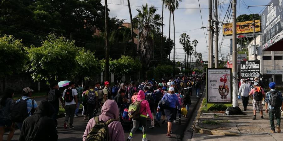 Más de tres mil migrantes salvadoreños han conformado caravanas que buscan llegar a EE. UU. (Foto Prensa Libre: Hemeroteca PL)