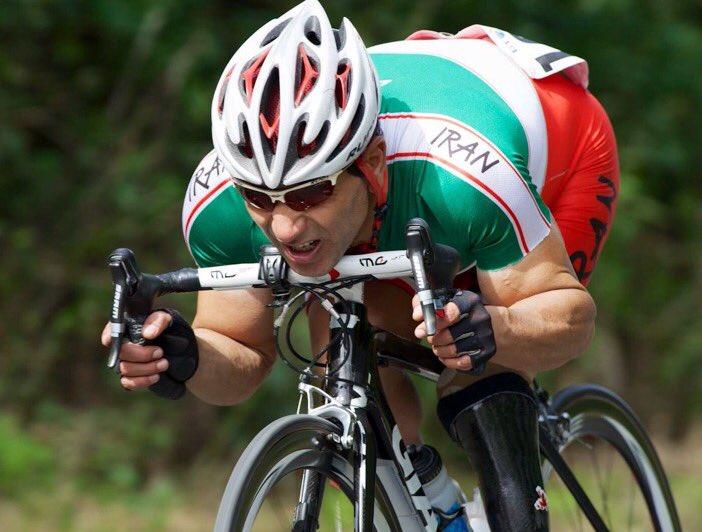 El ciclista iraní falleció después de una caída en competencia. (Foto Prensa Libre: Redes Sociales)
