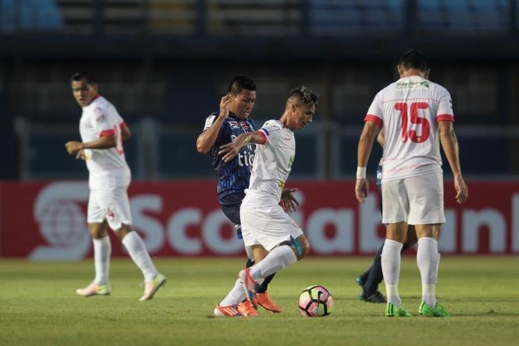 Suchitepéquez se embolsó sus primeros tres puntos del torneo. (Foto Prensa Libre: Norvin Mendoza)