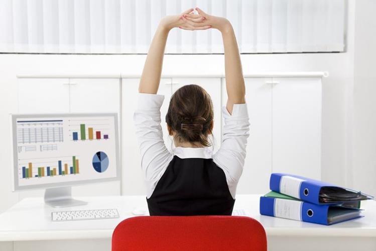 ¿Mucha tensión en el trabajo? Mejore su salud conociendo sobre la Pausa Activa (Foto Prensa Libre: Hemeroteca PL).