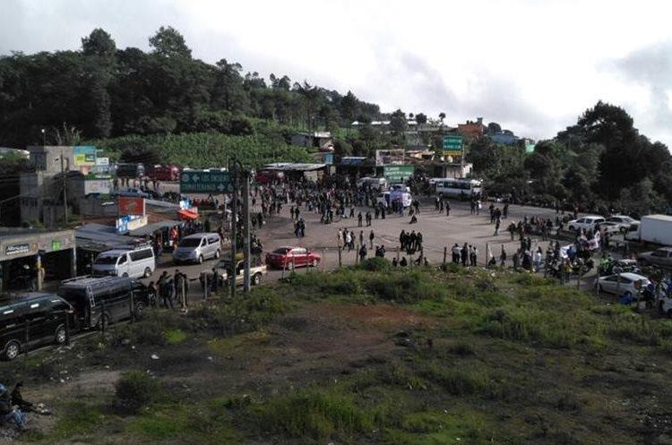 En Los Encuentros, Sololá, el paro afecta el paso a Quiché, Sololá y occidente.