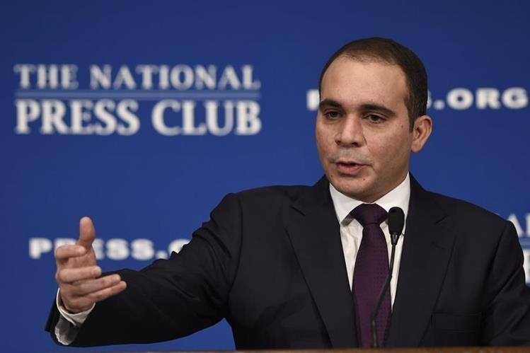 Ali Bin Al Hussein, candidato a la presidencia de la Fifa, pidió al TAS anular las elecciones. (Foto Prensa Libre: AP)