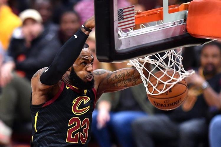 James ha jugado en varios equipos de la NBA en los últimos ocho años y ahora llegará a los Lakers por un contrato multimillonario. (Foto Prensa Libre: AFP)