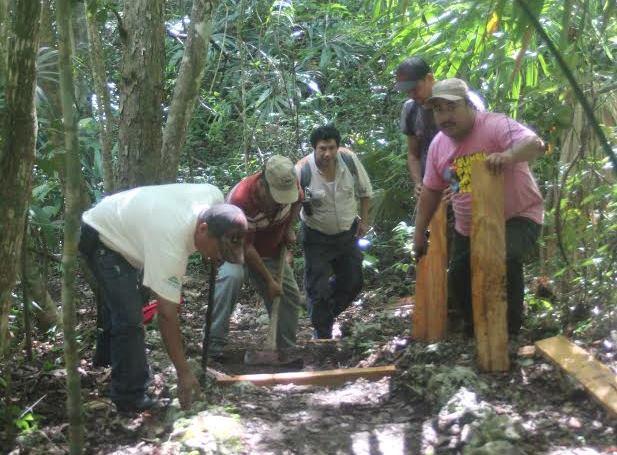 Guardarrecursos efectúan operativos selva de la Biosfera Maya, en Petén. (Foto Prensa Libre: Rigoberto Escobar)