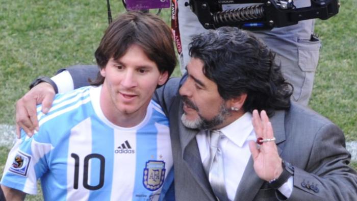 Diego Maradona dijo que Messi se apuró un poco al renunciar de la selección de Argentina. (Foto Prensa Libre: Hemeroteca)