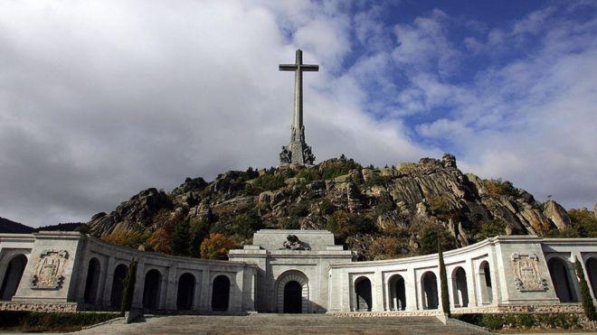 Unos 20.000 presos políticos fueron obligados a construir el mausoleo en el que descansa Francisco Franco. AFP