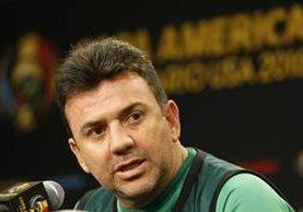 Julio Baldivieso mantiene la ilusión de continuar a cargo de la Selección de Bolivia. (Foto Prensa Libre: EFE)