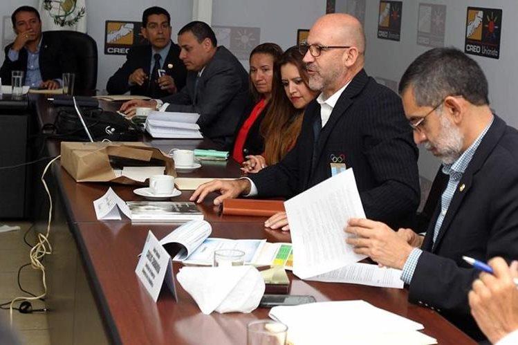 """COG busca que el congreso declare el 6 de abril """"Día Nacional de la Cultura Física y el Deporte"""". (Foto Prensa Libre: Carlos Vicente)"""