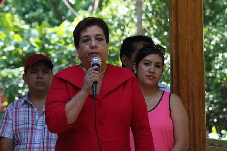 Leonor Toledo, gobernadora de Suchitepéquez, durante un acto público en Mazatenango. (Foto Prensa Libre: Cristian Icó Soto)