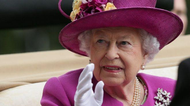 El salario de la reina procede del Patrimonio de la Corona y se paga con dos años de retraso. EPA