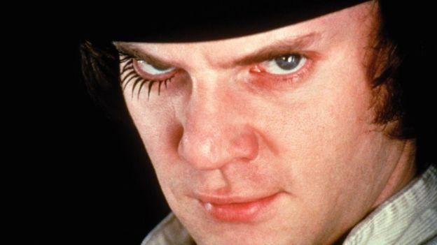 """""""La Naranja Mecánica"""", de Stanley Kubrick, fue clasificada como una película solo para adultos en su estreno en Estados Unidos. WARNER BROS ENTERTAINMENT"""