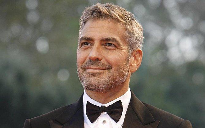 1. George Clooney, el hombre más guapo, con un 91.86% de coincidencia.