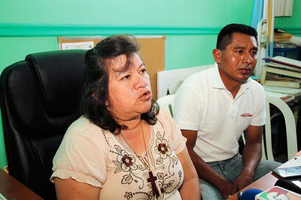 La epidemióloga  Lisbeth Cajas informa sobre el brote de Chikungunya en Alta Verapaz. (Foto Prensa Libre: Eduardo Sam Chun)