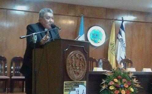 Julián Cruzalta durante una de las conferencias en Guatemala. (Foto Prensa Libre: Tomada de @juxticia)
