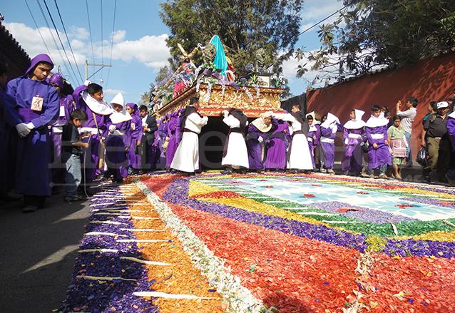 Procesión en Antigua Guatemala. (Foto: Hemeroteca PL)