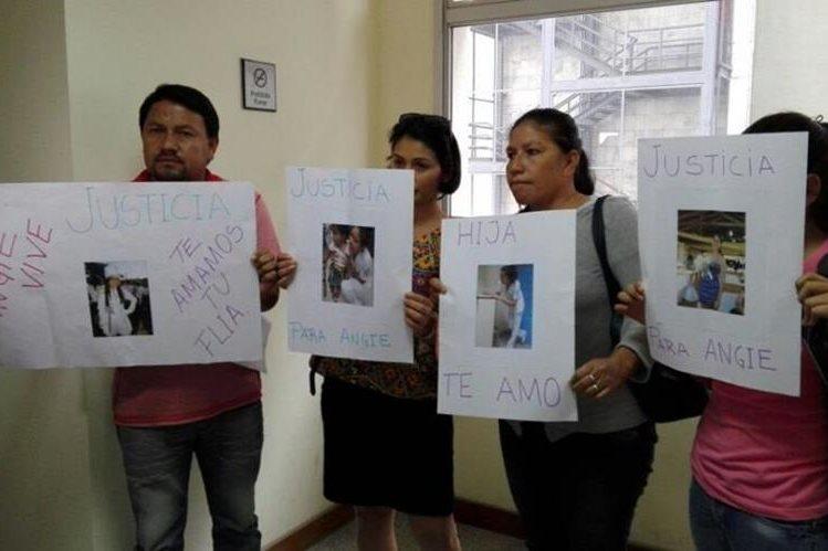 Familiares de Cristina Soledad Ayala exigen justicia contra Bruno Isabelino Ruiz Díaz y Juan Ramón Laspina. (Foto Prensa Libre: Tomada de internet)