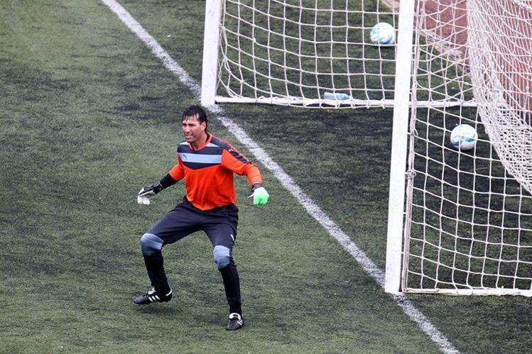 Luis Pedro Molina no podrá defender el arco de Comunicaciones en el Clausura 2016. (Foto Prensa Libre: Hemeroteca PL)