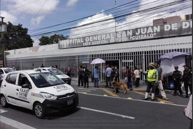 Los médicos de la red de salud pública han anunciado un paro de labores en todas las consultas externas a partir del próximo lunes. (Foto Prensa Libre: Hemeroteca PL)