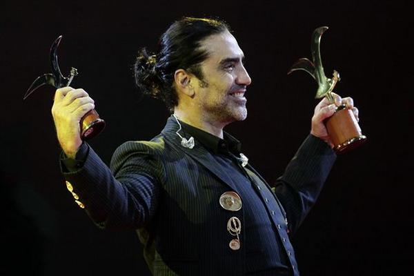Alejandro Fernández recibió las Gaviotas de Oro y Plata (Foto: EFE).