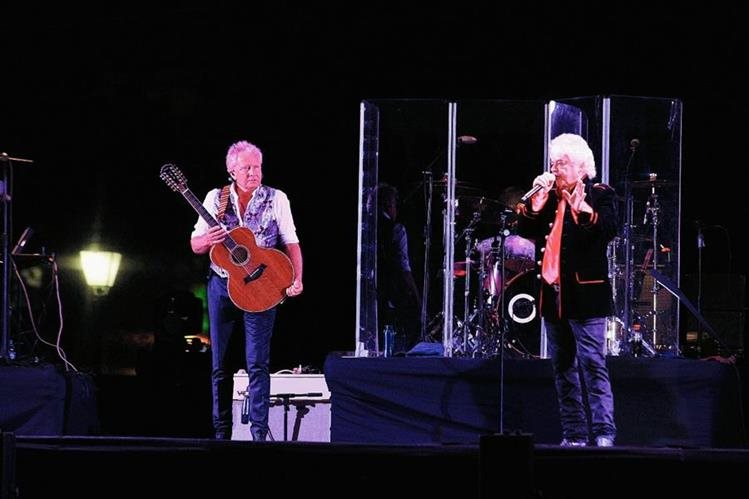 Air Supply derrochó romanticismo en su concierto en Explanada Cayalá. (Foto Prensa Libre: Estuardo Paredes).