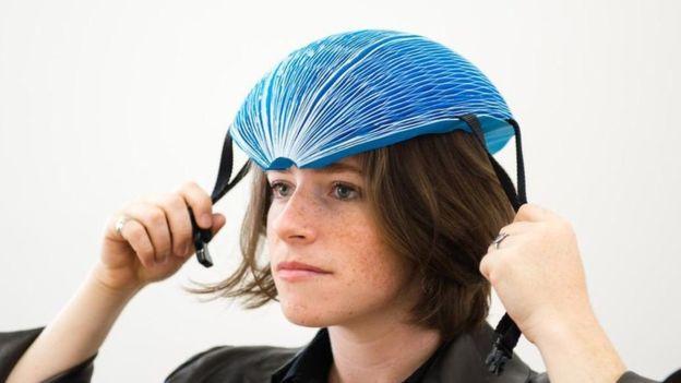 Isis Shiffer diseñó el casco pensando en quienes alquilan bicicletas públicas. (DYSON)