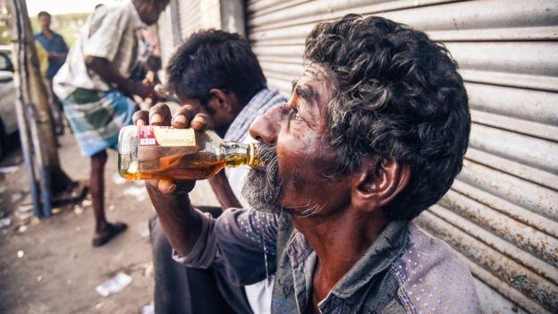 Entre 1992 y 2012, el consumo de alcohol en India aumentó 55%. NATHAN G