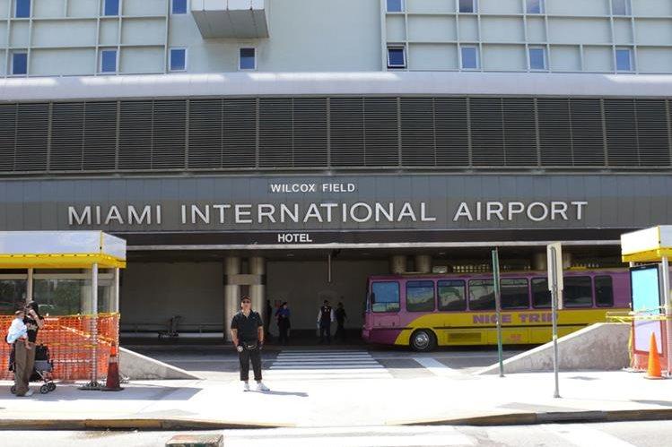 Autoridades del aeropuerto de Miami, Florida, en Estados Unidas adelantaron la fecha de corte de las aerolíneas de carga por el paso del Huracán Irma. (Foto Prensa Libre: Hemeroteca)