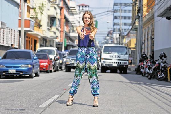 Stephanie Zelaya presenta su primera producción discográfica Es un viaje. (Foto Prensa Libre: Keneth Cruz)