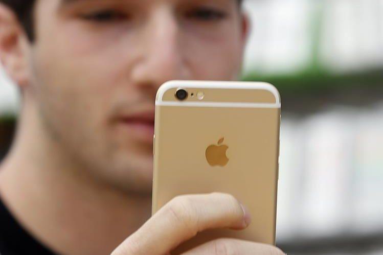 Las ventas del clásico móvil de apple le han permitido millonarios ingresos. (Foto Prensa Libre: Hemeroteca PL)