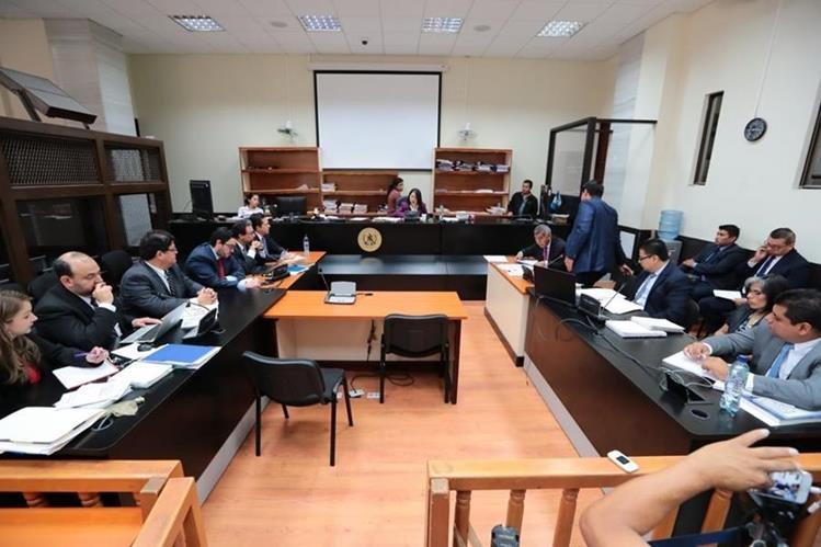 Audiencia de los empresarios citados a declarar en caso de financiamiento electoral ilícito. (Foto Prensa Libre: Álvaro Interiano)