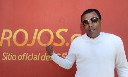 """""""El peruano"""" Vargas no oculta su enorme amor por Municipal. (Foto Prensa Libre: Francisco Sánchez)."""