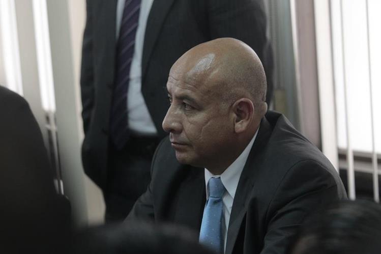 Exdiputado Luis Chávez, condenado a tres años de prisión, fue inhabilitado para ejercer un cargo público. (Foto Prensa Libre: C. Hernández)