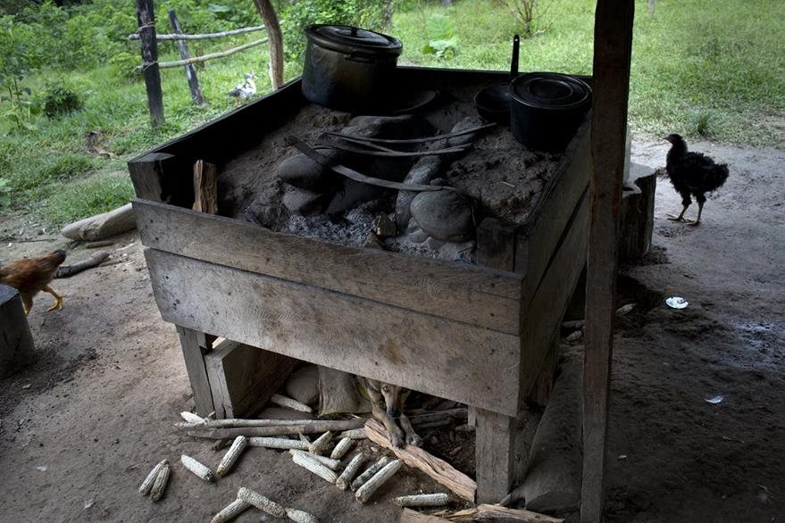 Las condiciones de vida de los campesinos peruanos son precarias. (Foto Prensa Libre: AP).