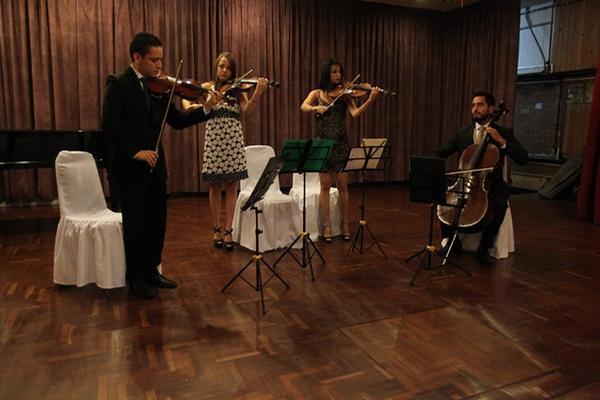 <p>El cuarteto Asturias, integrado por Álvaro Reyes, Rosario Vásquez, Iunuhe De Gandarias y Kenneth Vásquez, recibió medalla por interpretación musical. <br><br></p>