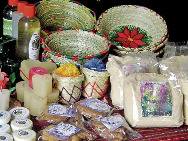 Diversos productos a base de amaranto son elaborados por mujeres de Sololá.